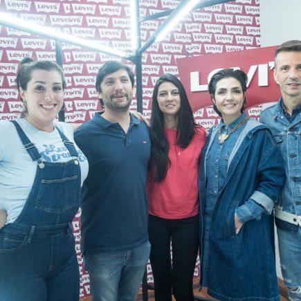 Abertura do movimento Geração 501, da Levi's, agita Laura Alvim, com bate-papo e show de Chico Chico e João Mantuano