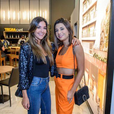 Antonia Leite Barbosa e Lu D Angelo reunem amigos em evento da Tegra