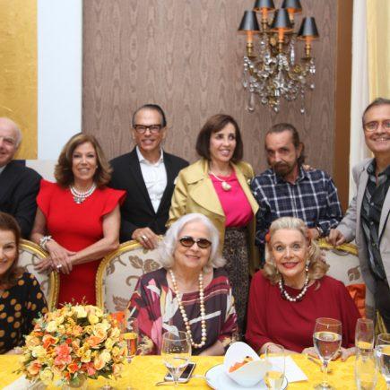 Lurdes Catão comemora seu aniversario em um jantar oferecido pelo amigo Marcelo Borges, no Restaurante Paris da Casa Julieta de Serpa com amigos.