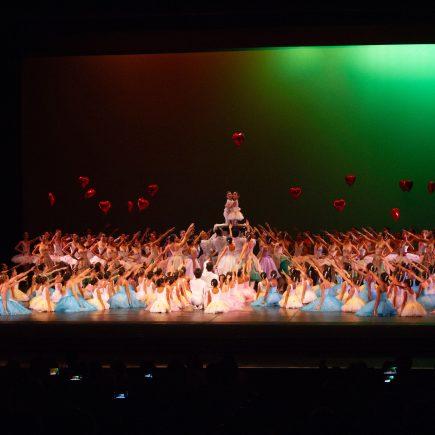 Escola Estadual de Dança Maria Olenewa – 'Jardim das Emoções' e 'A Flauta Mágica' – Theatro Municipal do Rio de Janeiro