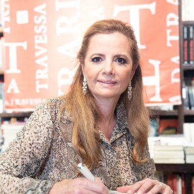 Empresária e sócia-fundadora do Circuito Elegante, Priscila Bentes, lança livro na Livraria da Travessa de Ipanema.