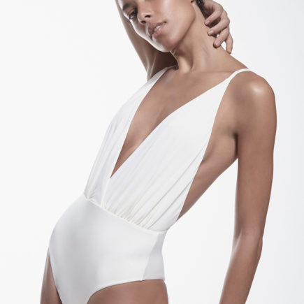 Kora Swim – peças brancas da marca de swimwear carioca para este verão