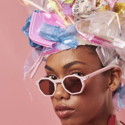 Zerezes lança coleção de óculos feita com canudos plásticos