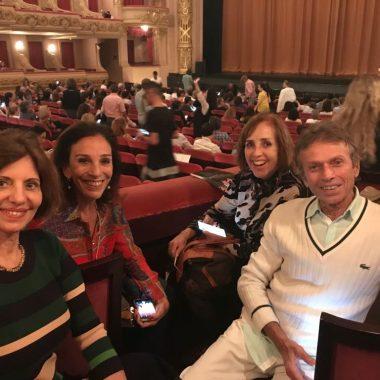 Embaixadores do Rio prestigiam Teatro Municipal