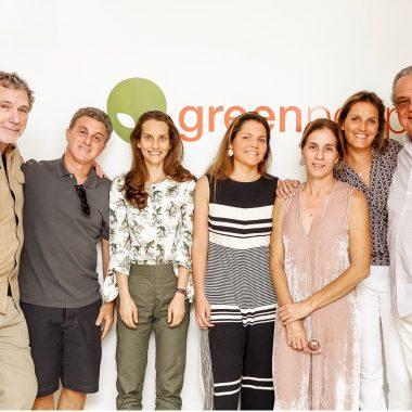 Luciano Huck inaugura fábrica de sucos prensados a frio em Três Rios