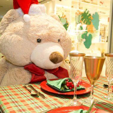 Forum Ipanema celebra sua decoração de Natal feita por Isabella Ruas, com desfile alto verão, produção de Marlon Portugal e Camerata de violinos do Projeto Uerê