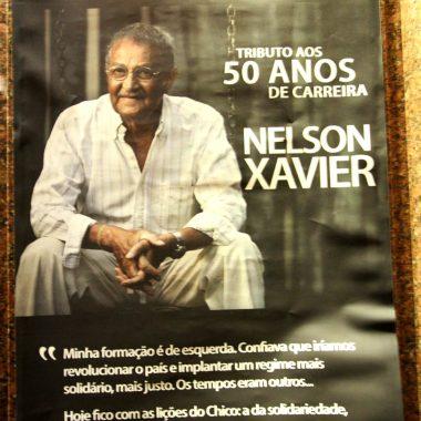 Noite em Tributo aos 50 anos de carreira de Nelson Xavier reúne atores, música e poesia