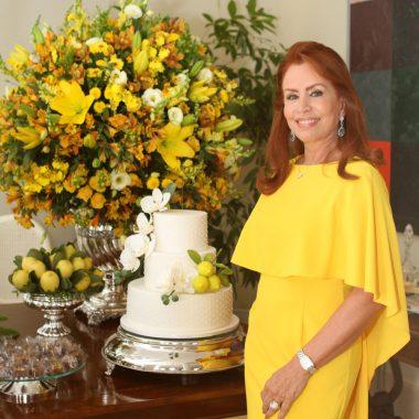 Marise Gollo comemora aniversário cercada por sua melhores amigas