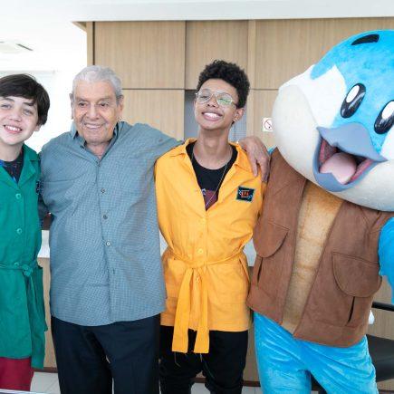 Os Detetives do Prédio Azul Pippo e Bento recebem VIPs na Ilha Pura