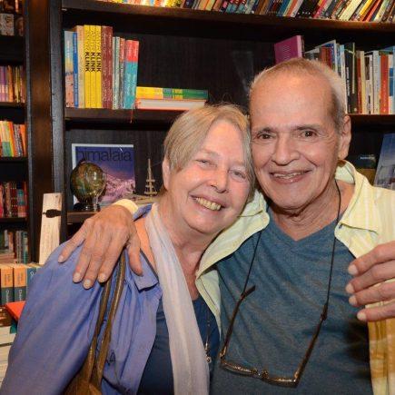 "Lançamento do livro ""MMM Roberto"", da Editora TIX, na Livraria da Travessa do Shopping Leblon."