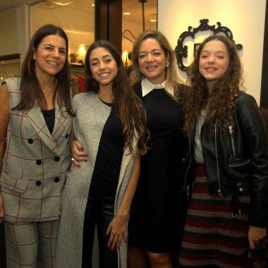 Bianca Gibbon agita Ipanema, com exposição de peças para Dia das Mães