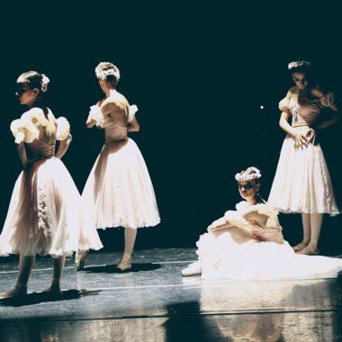 Theatro Municipal do RJ apresenta 'Ballet do meio-dia '