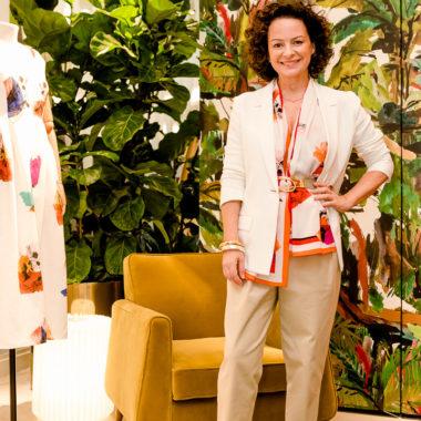 Andrea Marques celebra nova loja