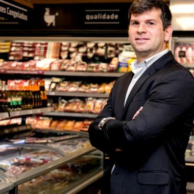 Conheça o executivo carioca que transformou o setor supermercadista do Rio