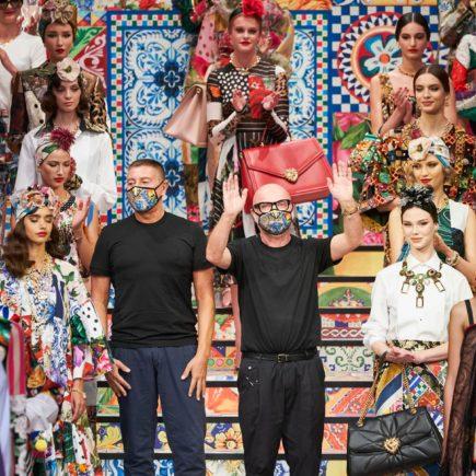 Azulejos e Cerâmicas da Sicília foram as inspirações dos designers Dolce&Gabanna para sua coleção SS 2021