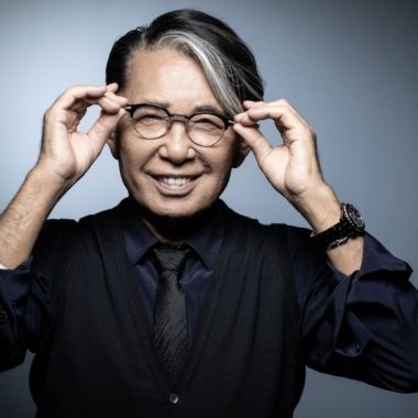O designer japonês Kenzo Takada morreu após o Covid-19
