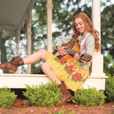 O estilo vintage de Holly Hobbie: a nova estrela do Disney Channel