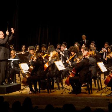 Orquestra Sinfônica Heliópolis e Vanessa Moreno fazem tributo a Elis Regina