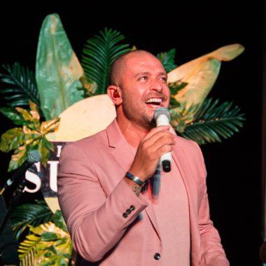 Diogo Nogueira se apresenta no Infinity Summer, evento no Fairmont Rio, com live pelo ShowIn