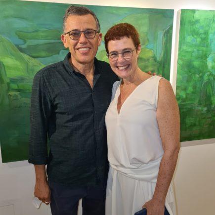 Vernissage da artista Esther Bonder reúne convidados na Galeria Márcia Barrozo do Amaral