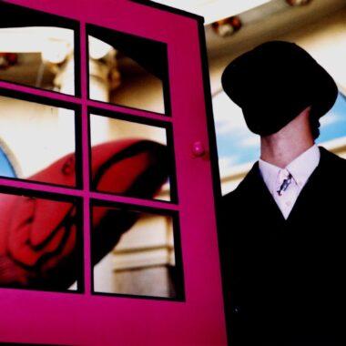 """""""Onipotência do Sonho"""" faz uma visita ao mundo do surrealismo através das janelas virtuais – dias 9, 10 e 11"""