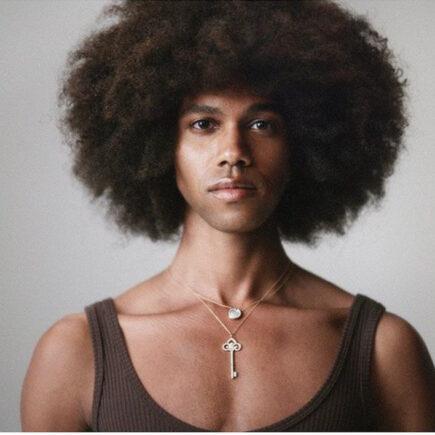 """Tiffany & Co. lança campanha """"Stand for Love"""" em celebração ao mês do Orgulho LGBT"""