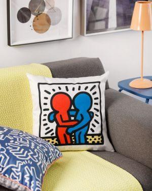 Tok&Stok lança campanha exclusiva em homenagem às obras de Keith Haring