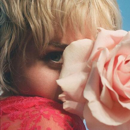 Miley Cyrus é o rosto da nova campanha Gucci Flora Gorgeous Gardenia