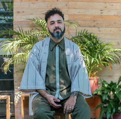 AMANHÃ DIA 27 – Thear Vestuário desfila coleção Simetria na passarela virtual da Casa de Criadores